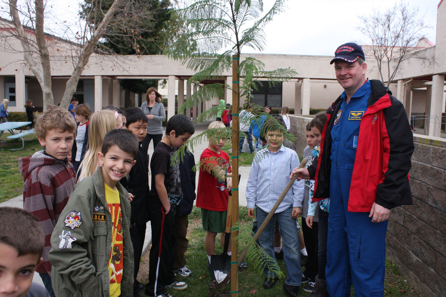 # ci265 Cosmonaut is planting trees in American school 2