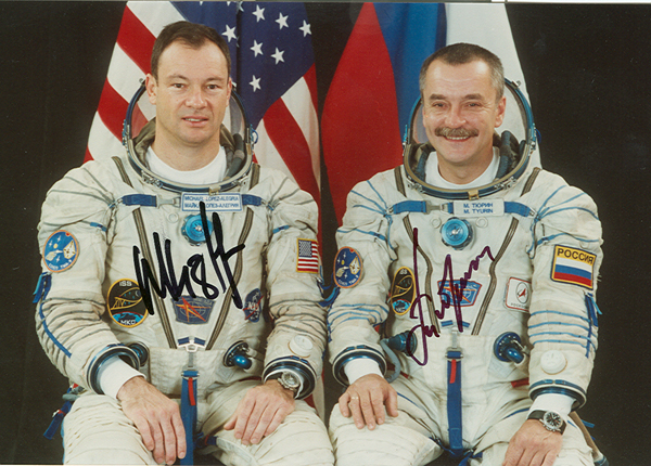 # cspc098 Soyuz TMA-9/ISS-14 crew signed 4 x 6 photos 2
