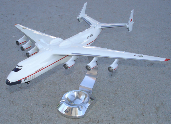 # antp085 Antonov-225 Mriya factory model on wheels 2