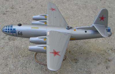 # zhopa020 Ilyushin-22 bomber 1