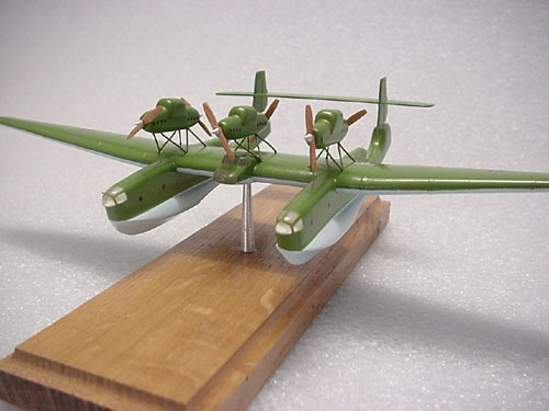 # tp100            ANT-22 twin-hulled flying boat 1/200 scale model 3