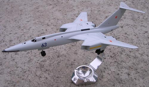 # tp208            Tu-106-2 project 4 -engines bomber 1