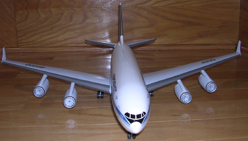 # ip087            Il-96-300 Ilyushin factory 1/100 model 4