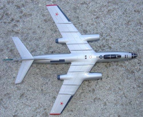 # ip083            IL-30 bomber 2