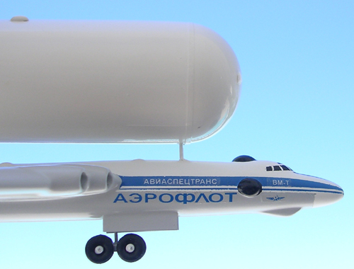 # myp099            VM-T Atlant space support transport with Energia tank 5