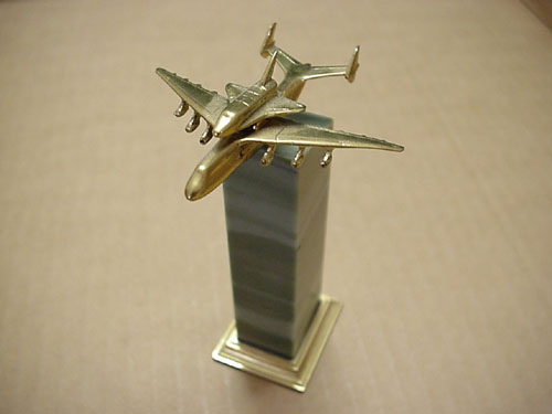 # antp150            AN-225 with Buran bronze-stone miniature model 1