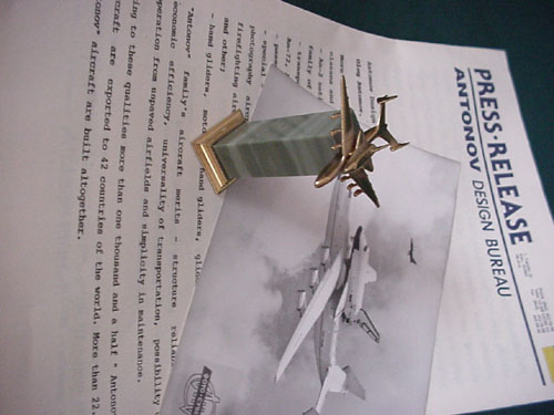 # antp150            AN-225 with Buran bronze-stone miniature model 3