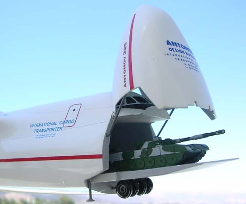 # antp092            An-225 1/200 with T-80 tanks aboard 4