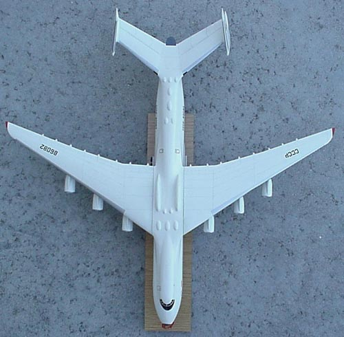 # antp149            An-225 big promotional Antonov model 4