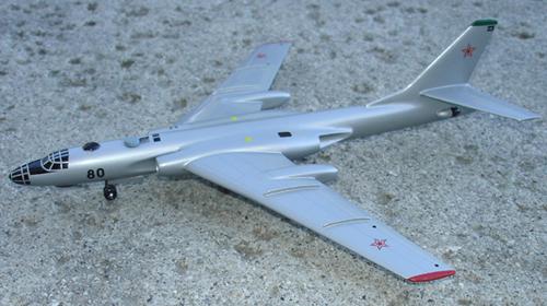 # zhopa044            Tupolev-16 bomber 1