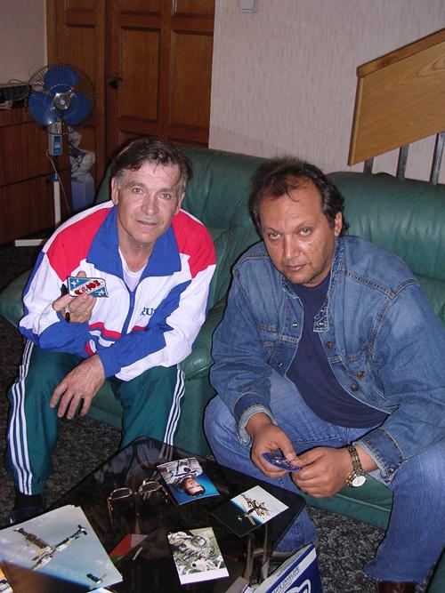# aup109            VAKO-SOYUZ Serebrov EVA signed patch 3