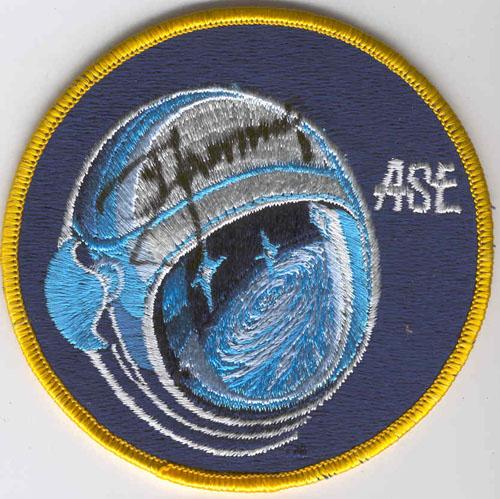 # aup120            A.Leonov ASE autographed patch 1