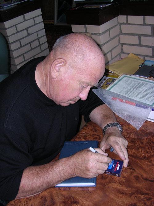 # un201            Soyuz-Apollo cigarettes packs signed by Leonov 3