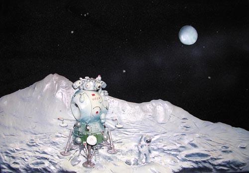 # spa701a            V.Ruban Lunar Lander and Cosmonaut 3-D sculpture-model artwork 1