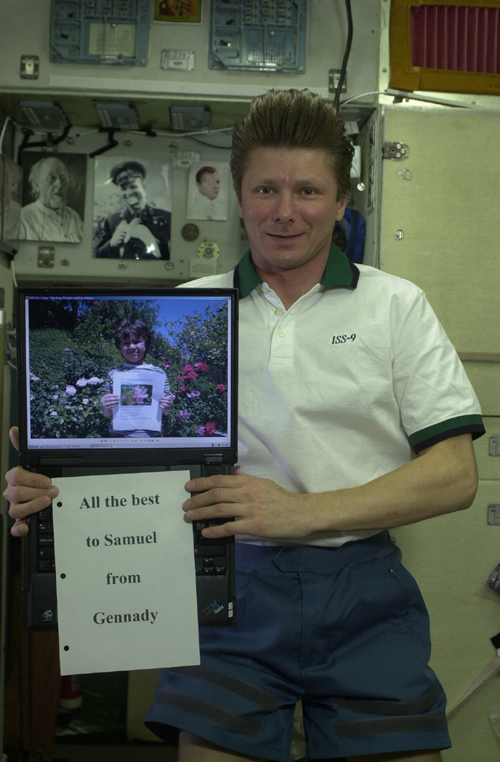 # ci290            Flowers to ISS-9 crew 1