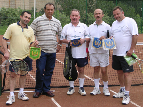 # ci311            With cosmonauts Kubasov, Laveikin and Poleschuk at tennis court 1