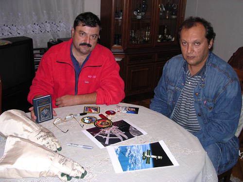 # ci319            In the house of MIR cosmonaut Musa Manarov 1