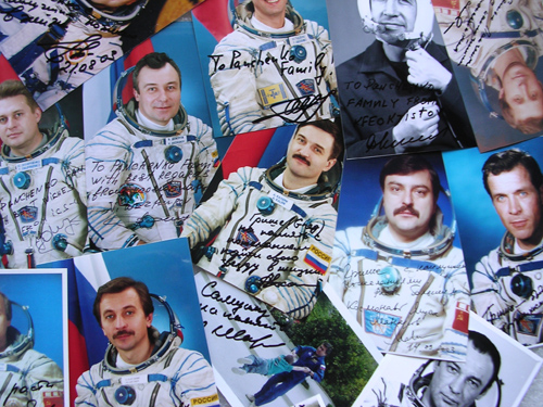 # ci300a            Personalized-Addressed to Family Greeting Photos of Cosmonauts 1