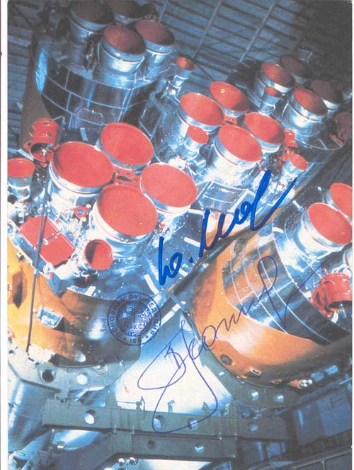 # ma353            Soyuz card signed by Leonov and flown on ISS 1