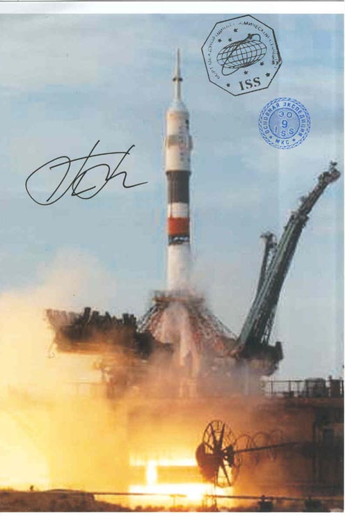 # gp925            Soyuz Baikonur launch flown 4 photos 1