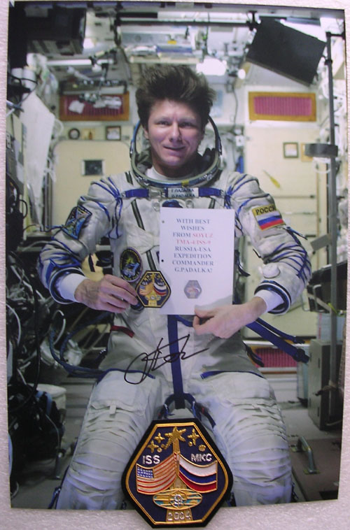 # gp201            Autographed Greeting photos and onboard Soyuz 2