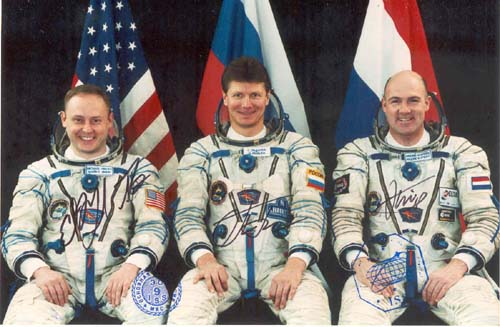 # gp600            Soyuz TMA-4 crew signed-flown photo 1