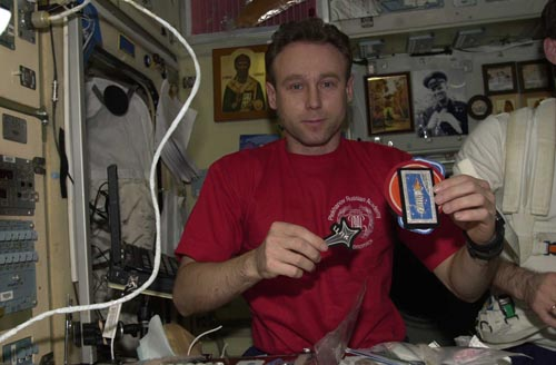 # ic090            Greeting to my family from the board of International Space Station sent by commander of Soyuz TMA-1/ISS/Soyuz TM-34 Sergei Zalyotin. 5