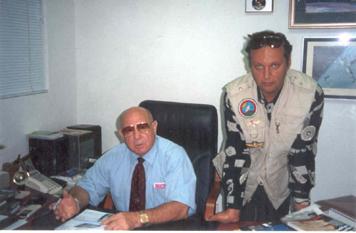 # ic140 Photos with a friend-cosmonaut Alexei Leonov in his Alfa-bank office in Moscow.September 1991 1