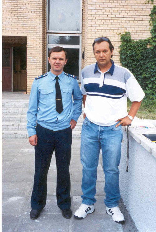 # ic640            September 2001, Photo with Yuri Gidzenko 1
