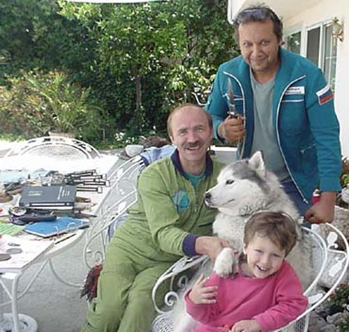 # ic760            Cosmonaut Alex Poleshuk in my house june 2002 3