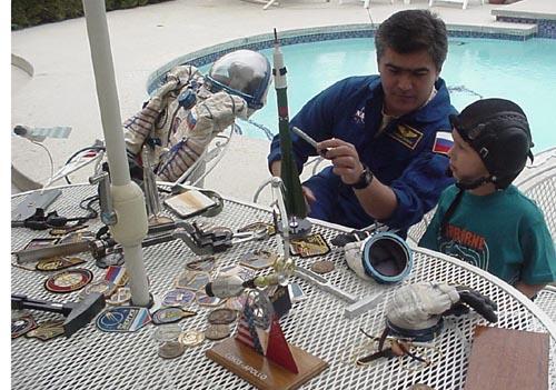 # ic084            Visit of cosmonaut Sharipov in June, 2003 2