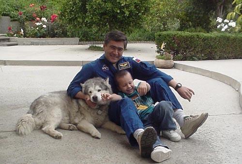 # ic084            Visit of cosmonaut Sharipov in June, 2003 4