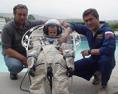 # ic084            Visit of cosmonaut Sharipov in June, 2003 5
