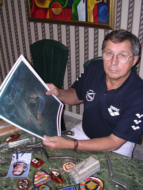 # ci290            Visit of cosmonaut Viktor Savinykh. November, 2003. 2