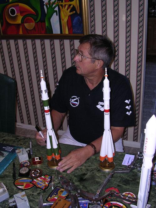 # ci290            Visit of cosmonaut Viktor Savinykh. November, 2003. 3