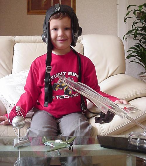 # ic900            Future Pilot-Cosmonauts 2