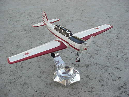 # ya100            Yak-52 desktop display model 2