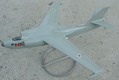 # seapl120            BE-10`Mallow` Airforce sea plane Beriev factory model. 3