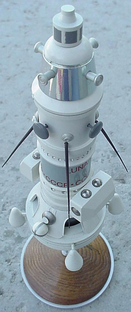 # sm180            Luna-10 model from cosmonaut A.Berezovoy 2