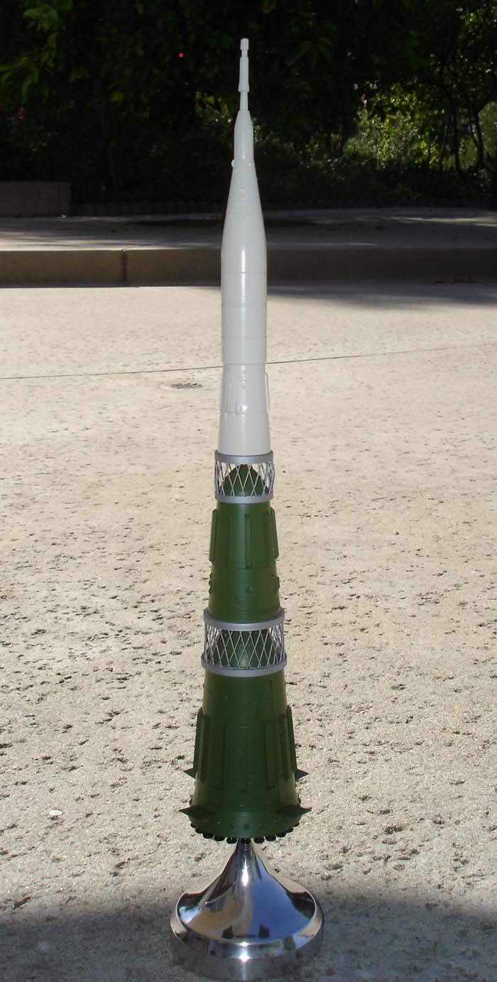 # sm197            Moon rocket N-1 2