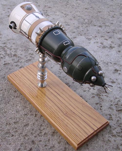 # sm199            LOK-Moon orbital manned ship 2