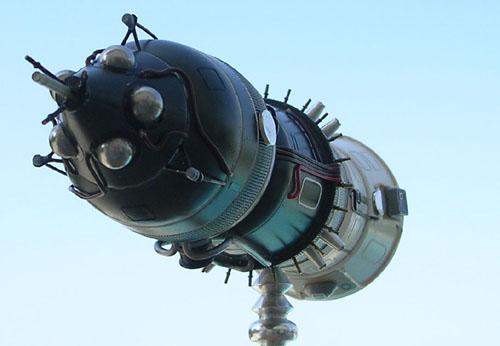 # sm199            LOK-Moon orbital manned ship 4