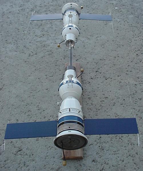 # sm140            Soyuz-4/Soyuz-5 2