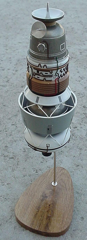 # sm200            L-1 Moon Space Complex Model 1