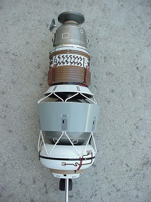 # sm200            L-1 Moon Space Complex Model 2