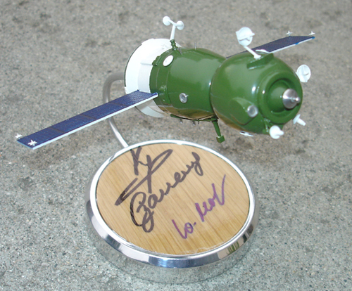 # sm010a            Soyuz TMA ship model signed by Krikalev, Zaletin, Malenchenko 2
