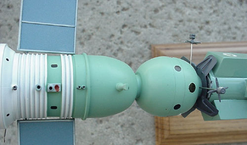 # astp110            Apollo-Soyuz docked desktop display model 4