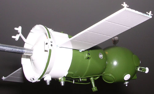 # sm010            Soyuz TMA model 2