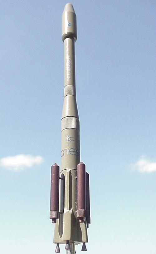 # sm604            AR-44L Ariane-4 rocket 1