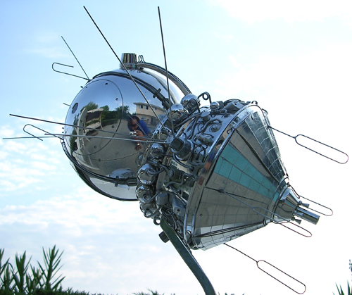 # sm012            Vostok manned spacecraft museum model 2